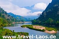 Nong Khiaw River © lkunl   123RF.com