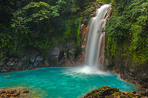 Wasserfall am Rio Celeste, Costa Rica © William Berry | 123RF.com