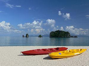 Pantai Tanjung Rhu © Martin Darley | Dreamstime.com