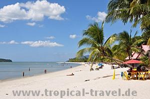 Pantai Cenang © tropical-travel.com