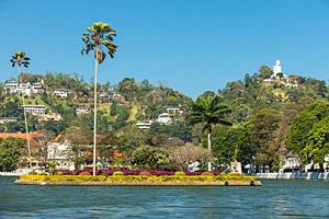 Kandy, Sri Lanka © Paul Prescott   123RF.com